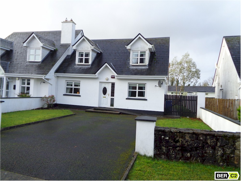 No. 8 Friarshill Close, Ballaghaderreen F45 XO51